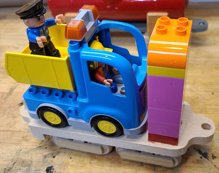 Combining the cars with Duplo