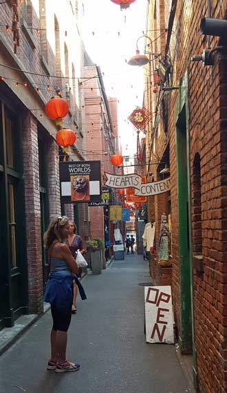 Narrowest street in the world.