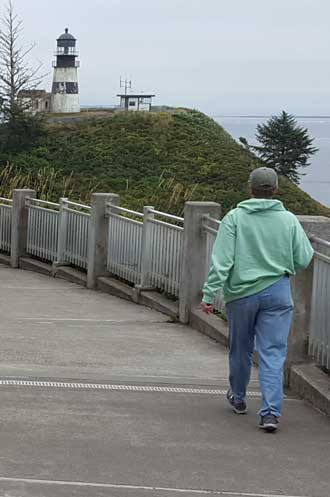 Hiking to the Cape Disappointment Lighthouse