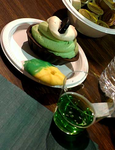Green Beer and green dessert