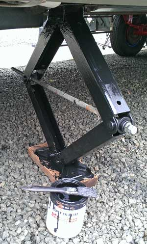 Getting rid of the rust on the stabilizer jacks