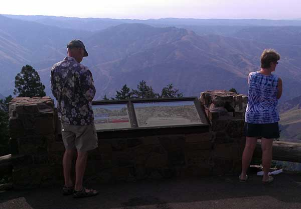 Ralph and Gwen at the Hells Canyon Overlook