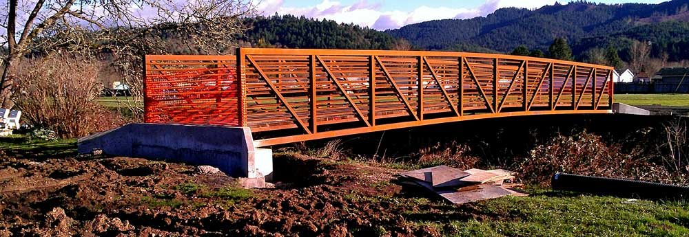 A new bridge in Sutherlin