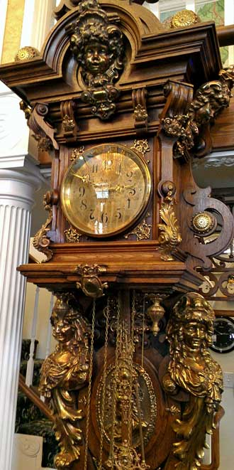 Clock built for Queen Victoria in 1875, Behind: panorama of the clock (too tall for ONE frame)