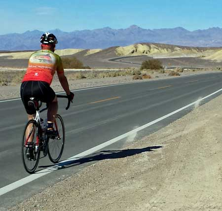 Riding Death Valley in the winter is like riding Roseburg in the summer, Behind: some tricks with my Samsung S4
