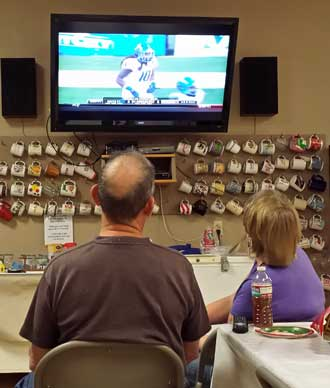 Watching the Hawaii Bowl in the clubhouse