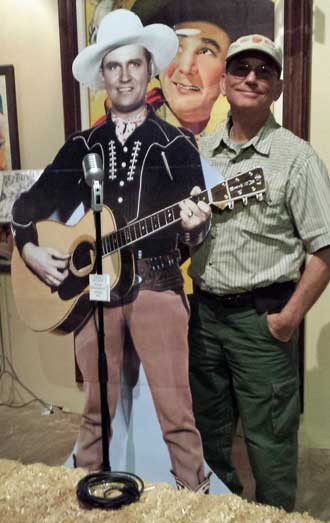 Gene Autry and me, Behind: working stage for film
