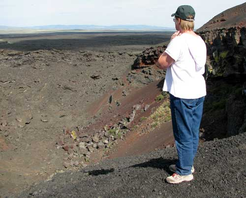 Gwen explores the edge of the crater