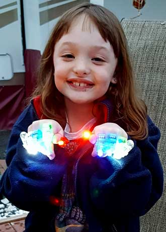 Chloe with finger lights
