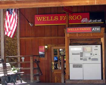 World's smallest Wells Fargo Branch
