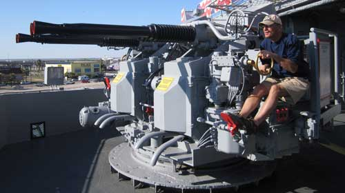 Dale tries out the quad 40mm anti-aircraft guns