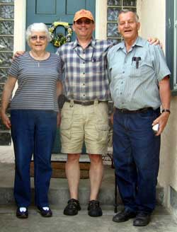 Dale with parents, Dale and Doris