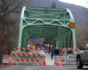 Applegate Bridge is closed