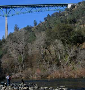 Mindy and Gunner are near the Auburn Ravine Bridge on the American River