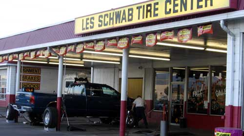 Les Schwab Sets the Standard for Customer Service